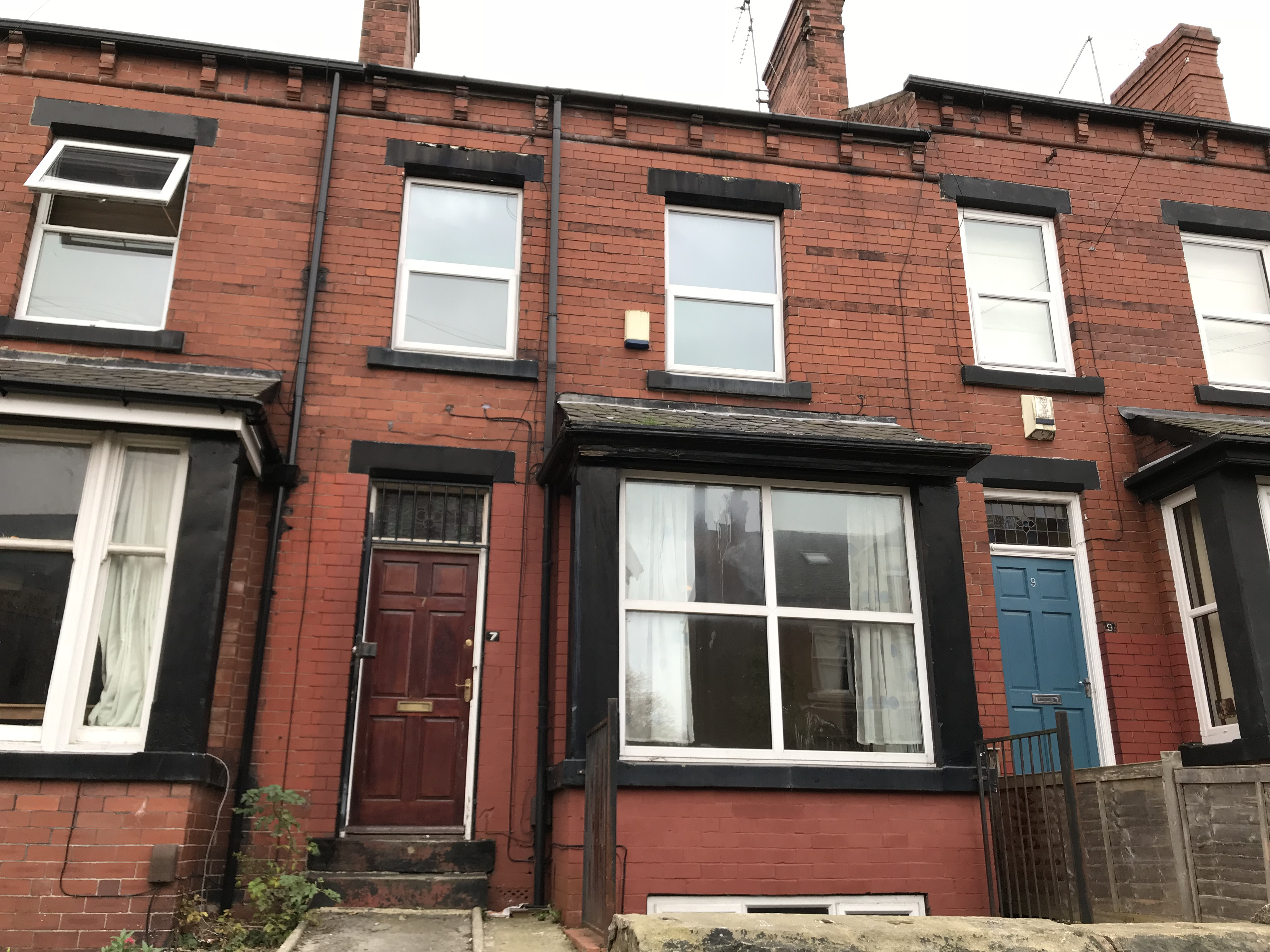 Four rooms available in newly renovated SHARED HOUSE in Burley. Bills Included!
