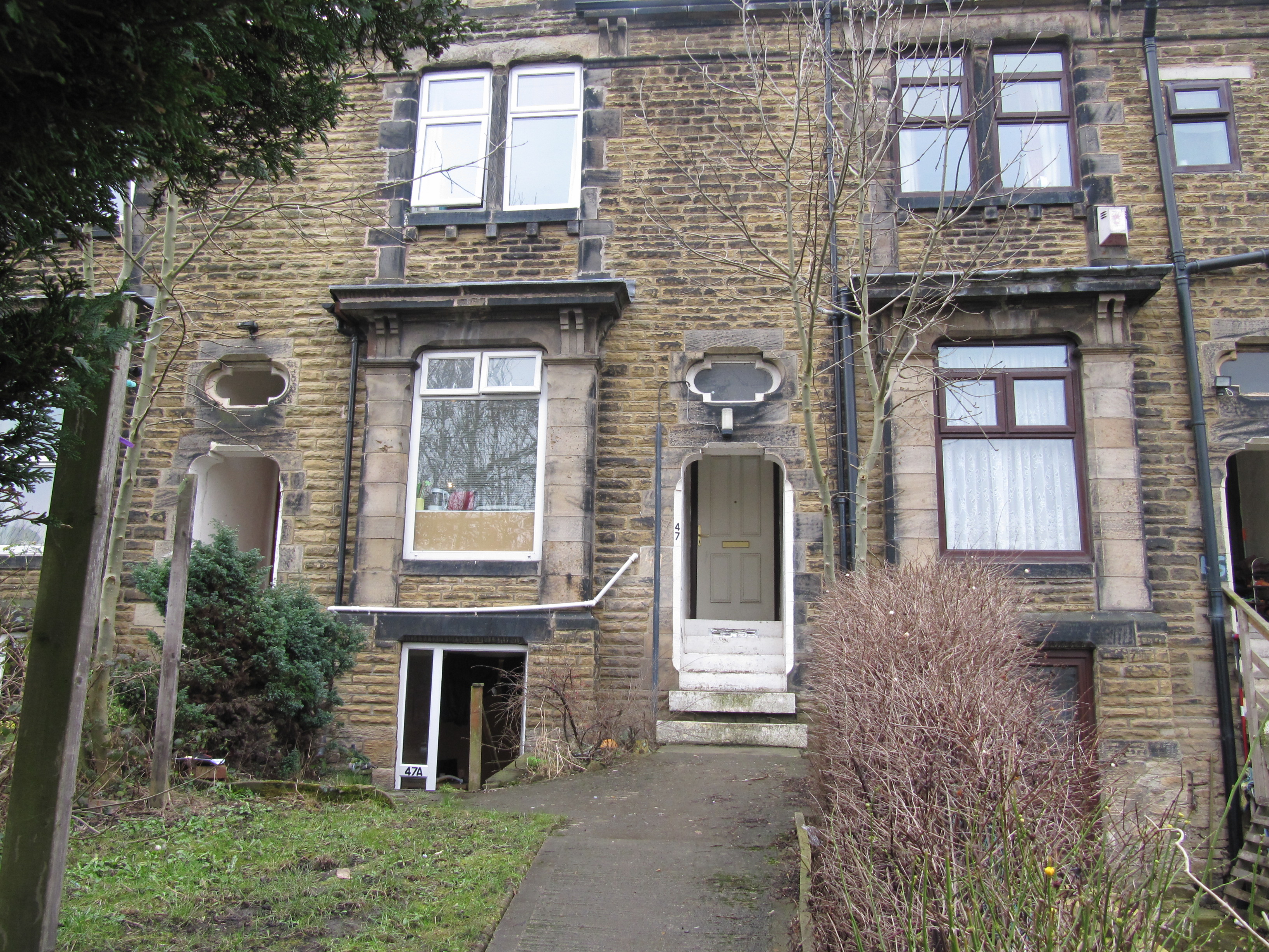 Bedsit room to let in this spacious four-bedroom shared house just off Leeds Road.